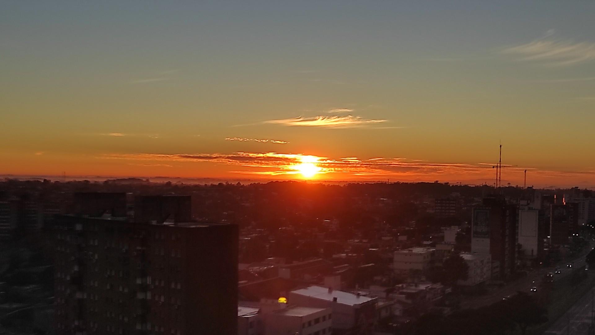 Vista del amanecer desde nuestra oficina